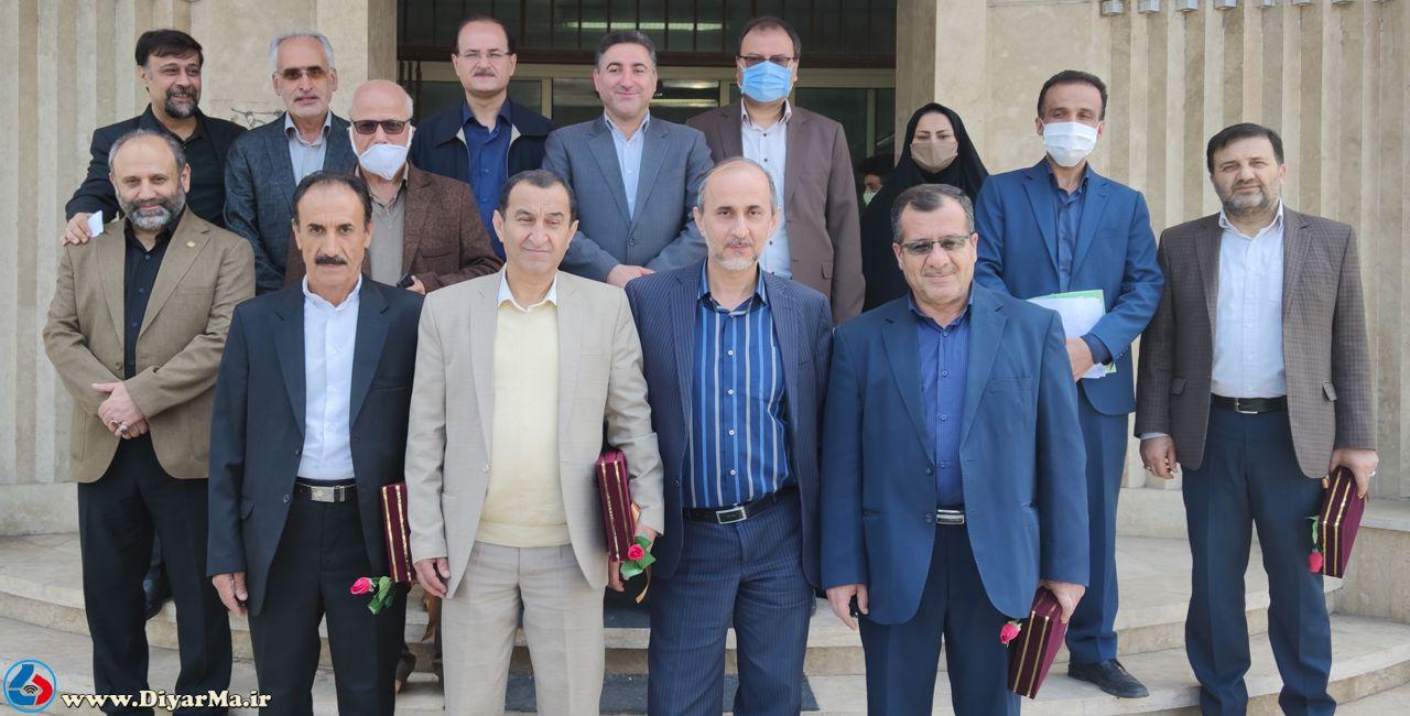 به مناسبت روز ملّی شوراها آیین تجلیل از اعضای ادوار شورای اسلامی شهر آستانهاشرفیه برگزار شد.