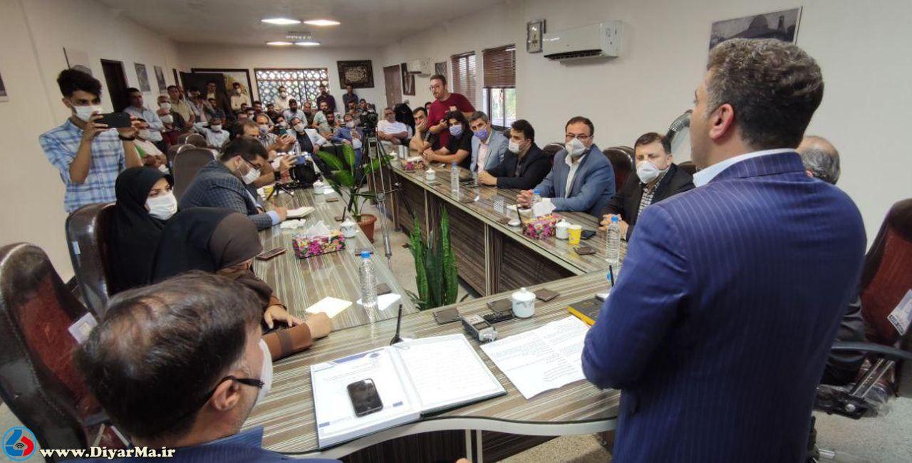 اعضای شورای اسلامی شهر آستانهاشرفیه با استعفای تیغ نورد موافقت کردند.