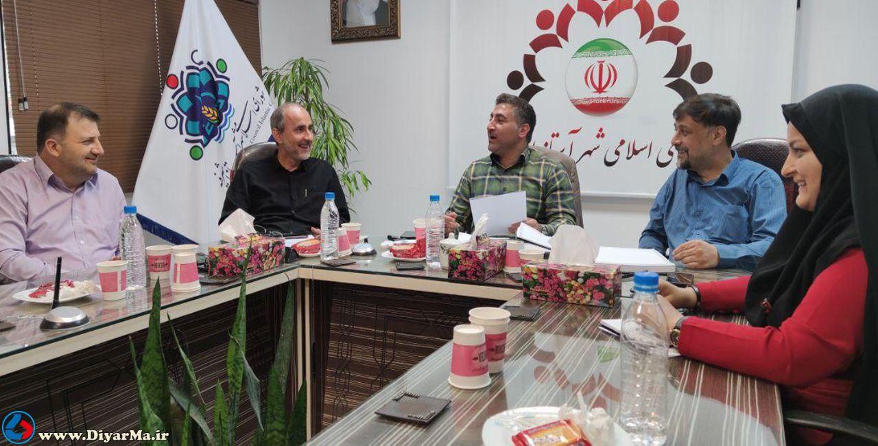 در نشست شب گذشته اعضای شورای اسلامی شهر آستانهاشرفیه یک خیابان به نام شهروند نامگذاری شد و مجید همتی بر صندلی عضو مستعفی شورا تکیه زد.